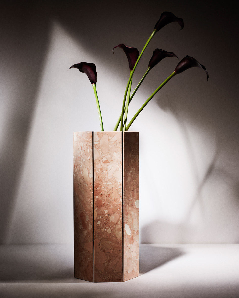 Dont´t miss the opportunity to see Tino Seubert´s new edition of Narcissus Vases.